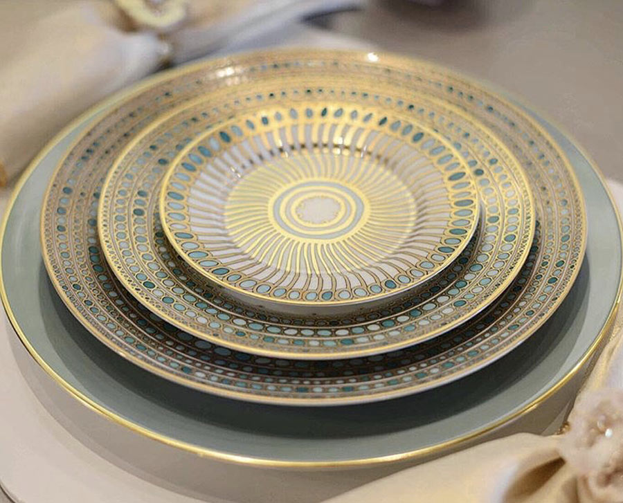 Tabletop, fine china, cutlery, kitchen decór, and more.